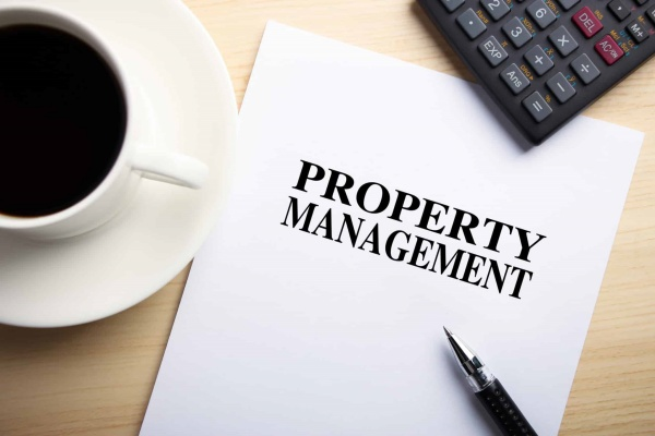 Are property management companies licensed in California?